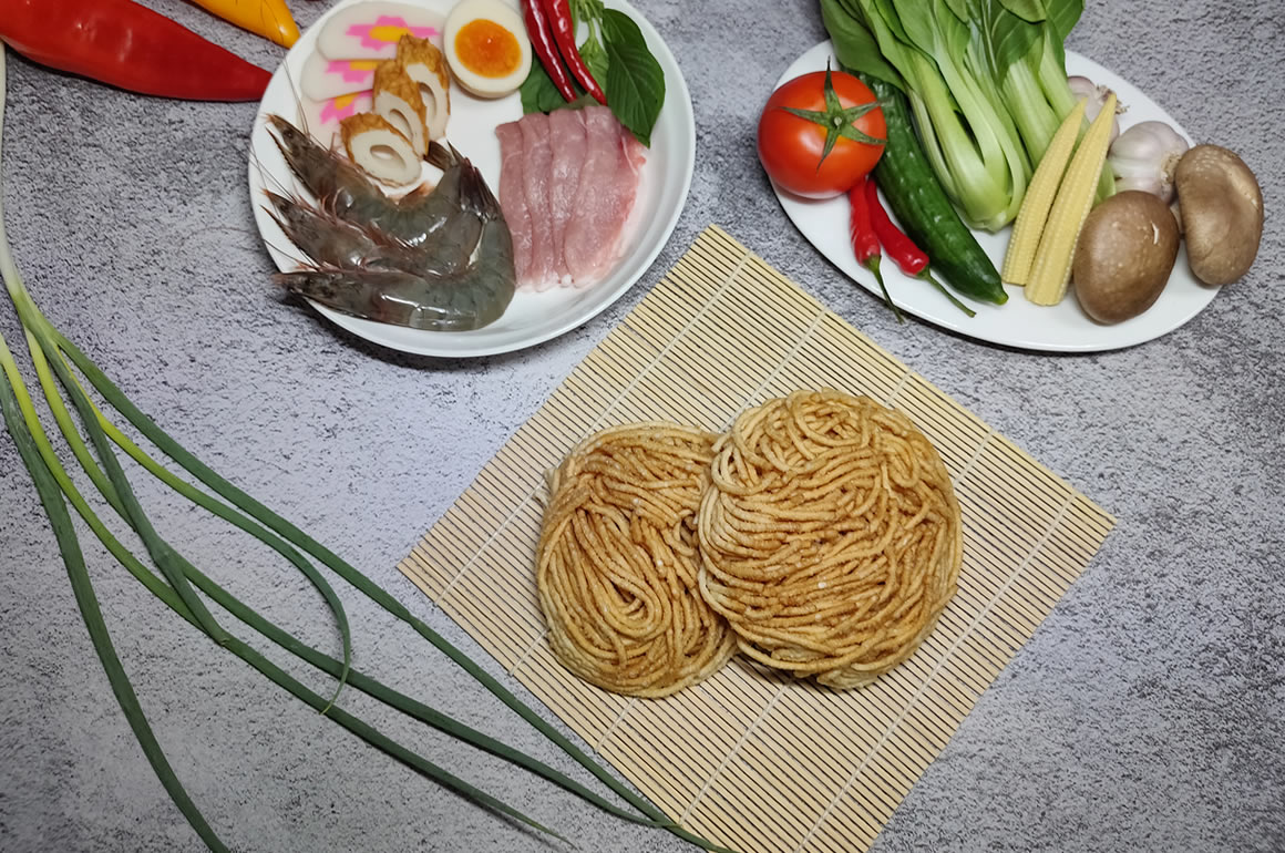 Q師父海鮮風味鍋燒意麵